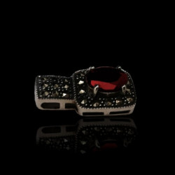 """Pendant """"Oval Garnet"""" with Marcasite"""