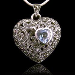 """Locket Pendant Heart """"Queen..."""