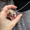 colgante portafoto con forma de corazón con pata perro