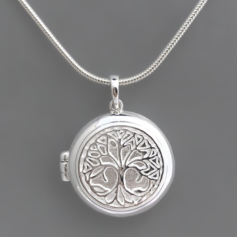 "Locket pendant ""Tree of life"""