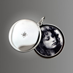 Photo  Adjustment, Printing and Installation in the Locket Pendant