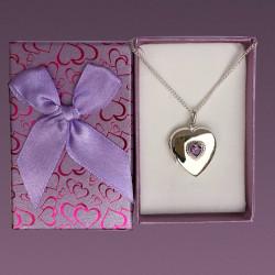 Relicario corazón de plata con una piedra amatista