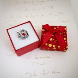 """""""Princesse Alice"""" pendentif porte photo pierre synthétique  grenat et une zircone cubique"""