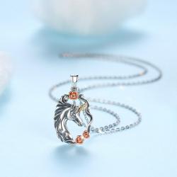 """Pendentif """"Licorne avec des roses"""" en en argent massif 925"""